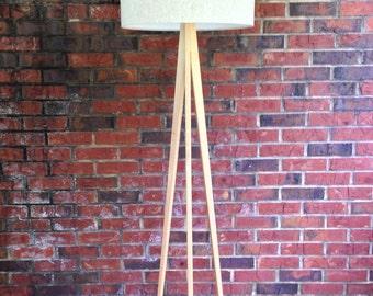 Floor Lamp - Tripod - Maple Wood