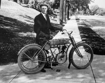 Harley Davidson, Motorcycle, Walter Davidson, 1908, Founder, Photo Print