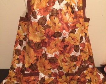 Vintage floral apron with plastic coating