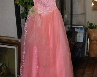 Vintage prom dress with tulle skirt and embroidered bodice