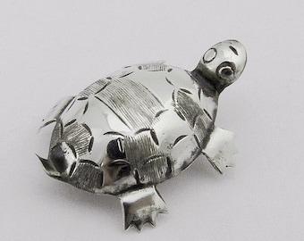 SaLe! sALe! Vintage Turtle Brooch Sterling Silver