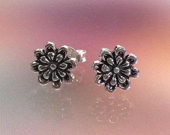 925 Solid Sterling Silver FLOWER  Earrings / Nature Jewelry / Flower Jewelry -Studs
