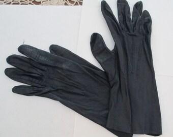 Vintage Ladies Black soft Leather Gloves, Alexetta, size 7 1/2