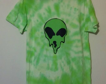 Melting Alien Face Green Slime Tie Dye