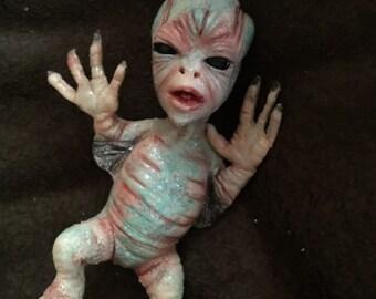 baby alien winged