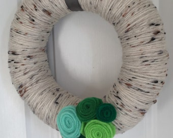 Spring Yarn Wreath - Felt Flower Wreath - Yarn Wreath - Felt Yarn Wreath - Spring Door Hanger - Spring Felt Wreath - Seasonal Wreath