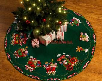 "Bucilla Candy Express Train ~ 43"" Felt Christmas Tree Skirt Kit #86158, Snowman DIY"