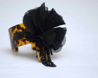 Leopard  print  cuff bracelet  set.