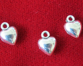 "BULK! 30pc ""solid heart"" charms in antique silver style (BC760B)"