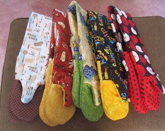 Double Oven Mitts with Traditional Thumb
