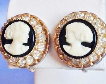 Graceful CAMEO And Crystal EARRINGS