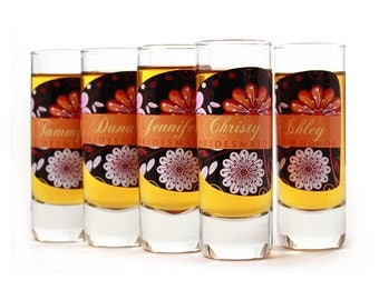 Gifts for Bridesmaids // 9 Personalized Shot Glasses for your Bridesmaid or Maid of Honor