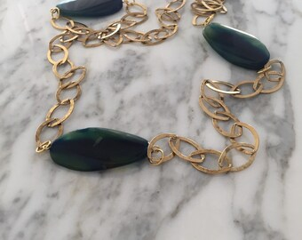 Brass chain and agate stones.