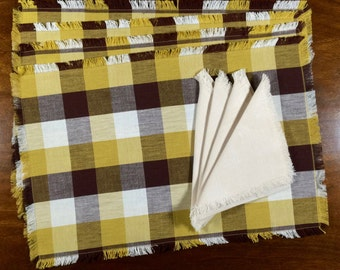 1950s Placemat & Napkin Set of 4 // Mid Century Table Linens in Plaid and White Cotton // Vintage Tableware