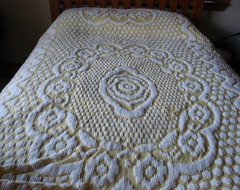 FREE US Shipping Golden Yellow & White Chenille Bedspread