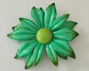 Vintage Enamel Flower Pin/Brooch
