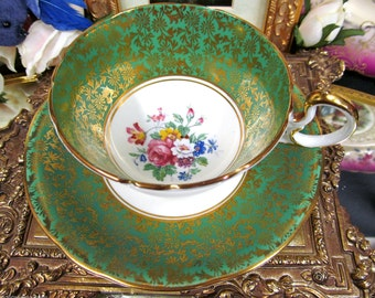 Aynsley tea cup and saucer GREEN FLOWERED teacup low doris shape gold gilt chintz design
