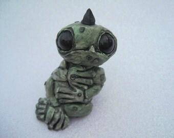 Handmade Monster Sculpture Polymer Clay Creature Figure Cute Green Big Eyed Animal Miniature
