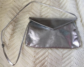 1980s Silver Lame Metallic Purse with Strap