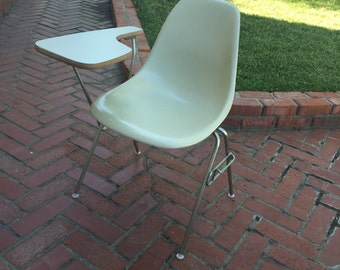 Mid Century Eames Herman Miller Shell Fiberglass Desk Chair
