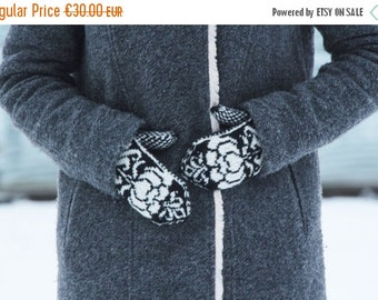 ON SALE Black white knitted mittens - knit Scandinavian patterned gloves - warm accessories winter black - knitting women mittens - winter f