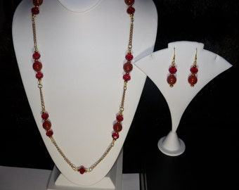 A Beautiful Red Carnelian Necklace, Stretchy Bracelet and Earrings. (2016133)