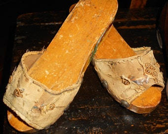 FOLK ART SHOES / Primitive / sweetly tattered fabric on decorated wood