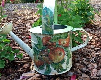 "Sprinkle ""Apple orchard"". Antique Decoupage."