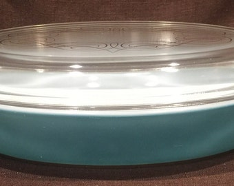 Pyrex Princess Promo - Open Baker with Scroll lid - 1 1/2 Quart Casserole Dish - HTF SET
