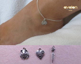 Guinea pig anklet with the charm of your choice.