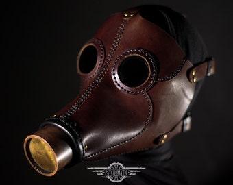 Le masque nettoyant profondément pour la personne la planète les engrais les rappels