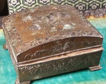 Victorian 1920s tin box , jewelry box, trinket box....