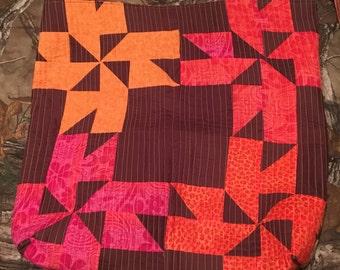 Suprise pinwheel quilted extra large tote