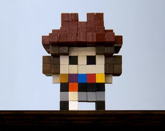 Fourth Doctor Voxel Figure