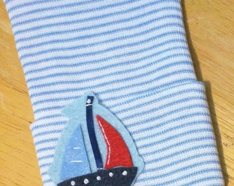 NEWBORN 2 Ply Hospital Hat. Newborn Hospital Beanie. Baby Boy Hat with Sail Boat. Nautical Great Gift. Blue and White Stripe Hat. Cute!