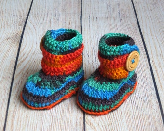 Rainbow baby booties - Baby ankle boots - Crochet Baby Boots - Newborn booties - Baby Button boots - Infant baby shoes - Made to order