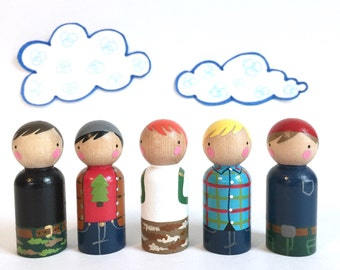 "5 camper peg dolls with felt sleeping bag // 2 3/8"" camper play set // wooden peg dolls - wooden toys"