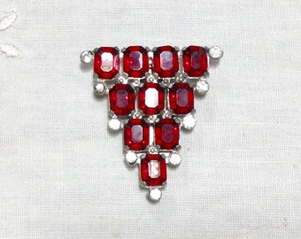 vintage  ART DECO 1920s Clear and red Paste Rhinestone Pot Metal Dress Fur Clip Brooch