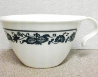 Corning Old Town Blue Flat Cup Corelle