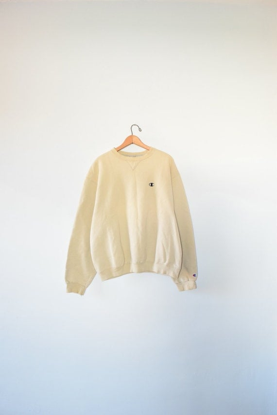 BEIGE CHAMPION SWEATSHIRT // size men's large // 90s //