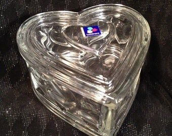Luminarc Glass Heart Dish, Made in France, Heavy Glass Heart Lidded Dish.