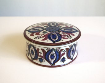 "Royal Copenhagen ""Tenera"" Lidded Round Box by Berte Jessen"