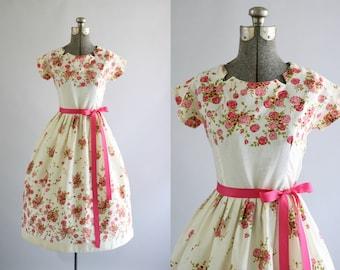 Vintage 1950s Dress / 50s Cotton Dress / Pink Floral Border Print Dress w/ Ribbon Waist Tie XS/S