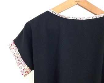 BALANCES crop top kimono sleeve print multicolor Scandinavian graphic