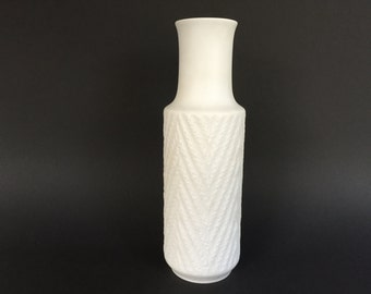 "CM Hutschenreuther Hohenberg since 1814 ,,CM Exclusive""  Op Art bisque  porselain Vase  1960s West Germany."