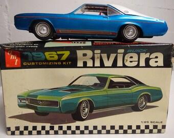 Vintage [1960u0027s] AMT 1967 Buick Riviera 1:25 Scale Plastic Model Car W