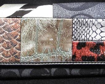 Original vintage Gucci Checkbook Wallet Multicolor
