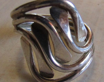 Unusual Sterling Silver Wrap Around Ring  Size 7 3/4