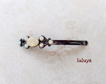 High Quality Iridescent Crystal Hair Clip Bobby Pin Pretty Cream Butter
