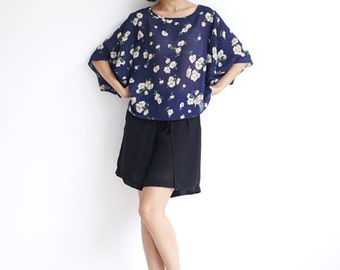 Summer Floral T-shirt,Linen with Flower Printed,Loose fit shirt,Navy Blue